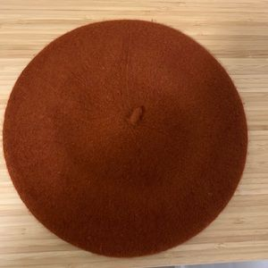 Accessories - Burnt orange beret brand new